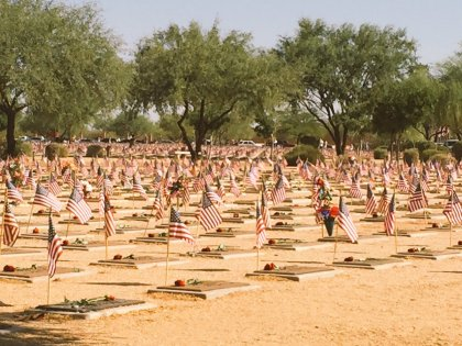 MEMORIAL_DAY_FLAGS_IN_THE_SAND1
