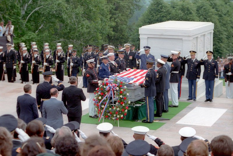 MEMORIAL_DAY_TOMB_OF_THE_UNKNOWNS!